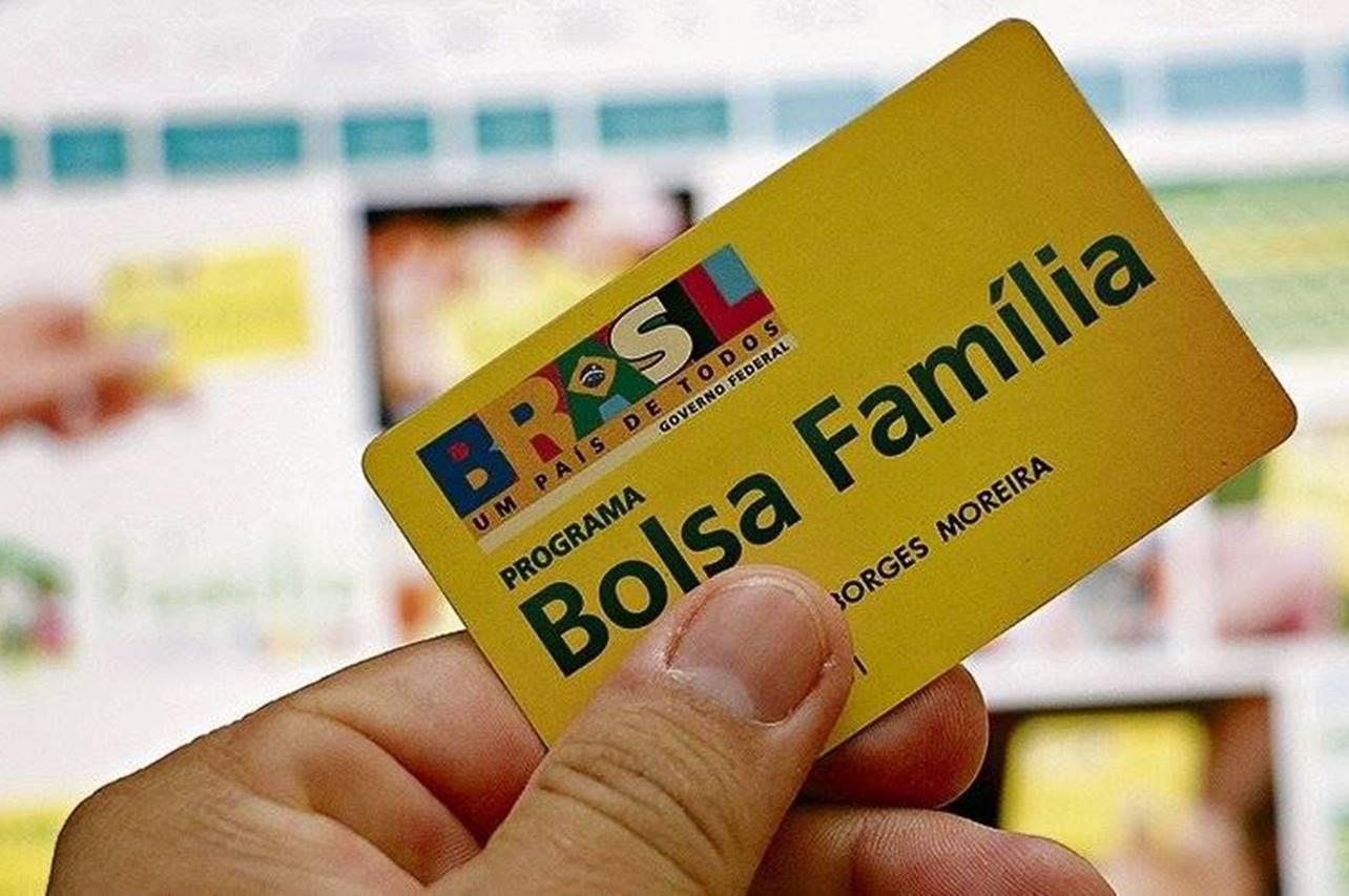 Bolsa Família paga mais de R$ 332 milhões para famílias da Bahia - calendário de novembro