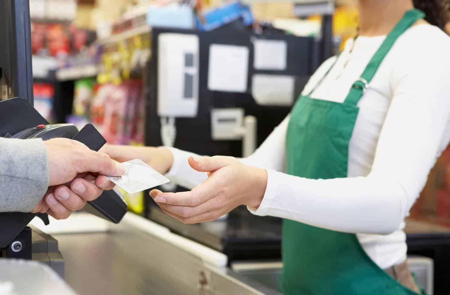 supermercado recebe currículos