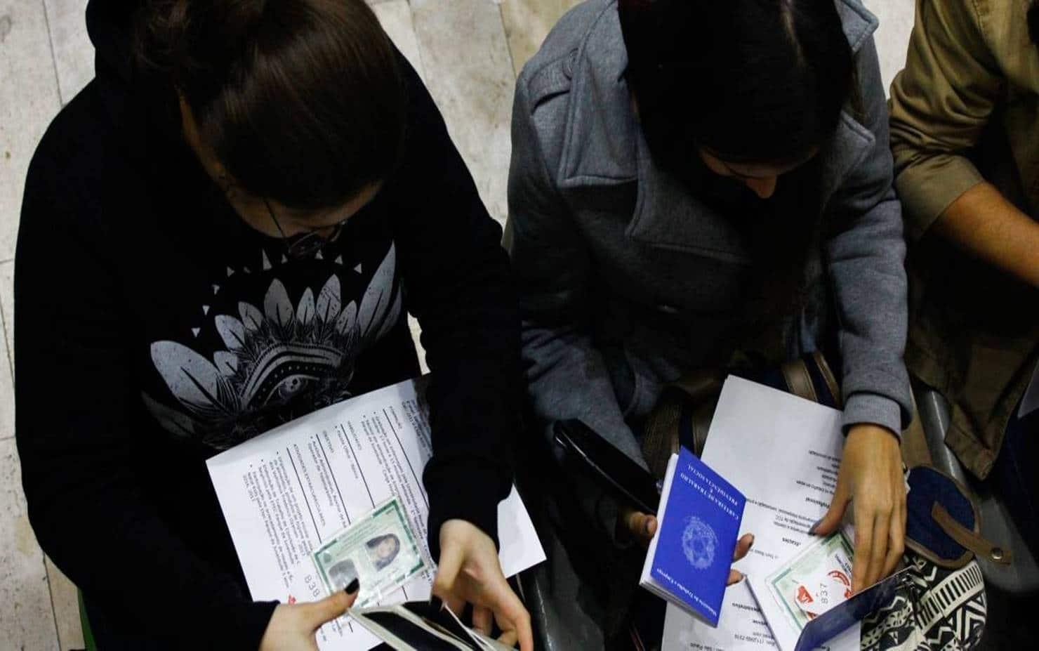 Nova PEC derruba valor do abono salarial PIS/Pasep para menos de um salario mínimo
