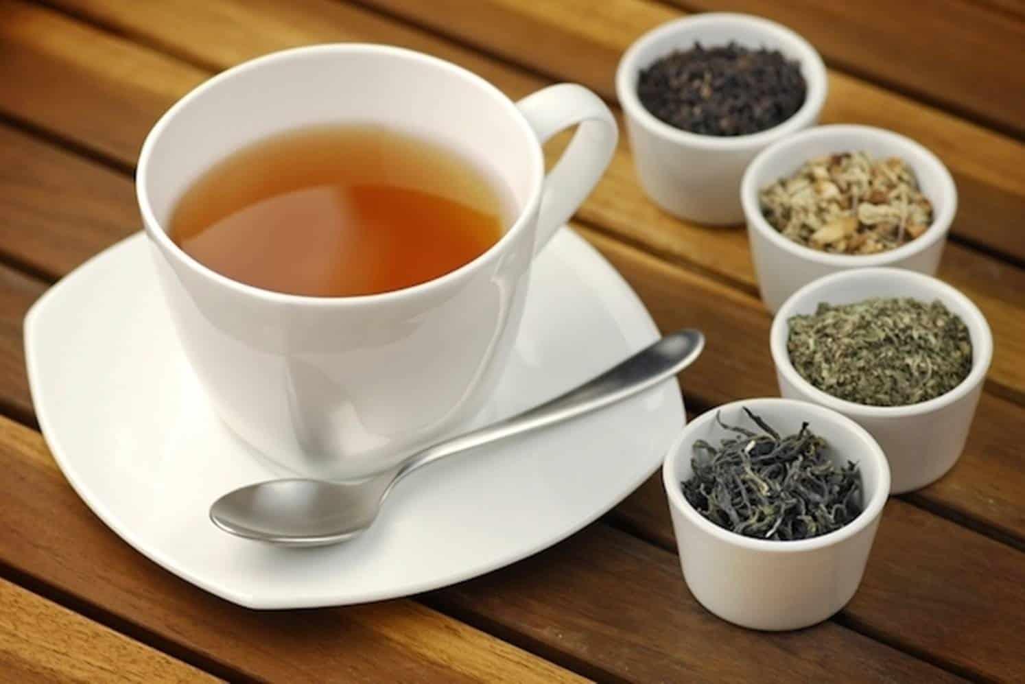 Conheça os 7 melhores chás para emagrecer e perder barriga rápido