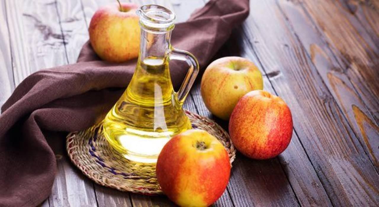 Os poderosos motivos pelos quais você deve comer maçãs todos os dias