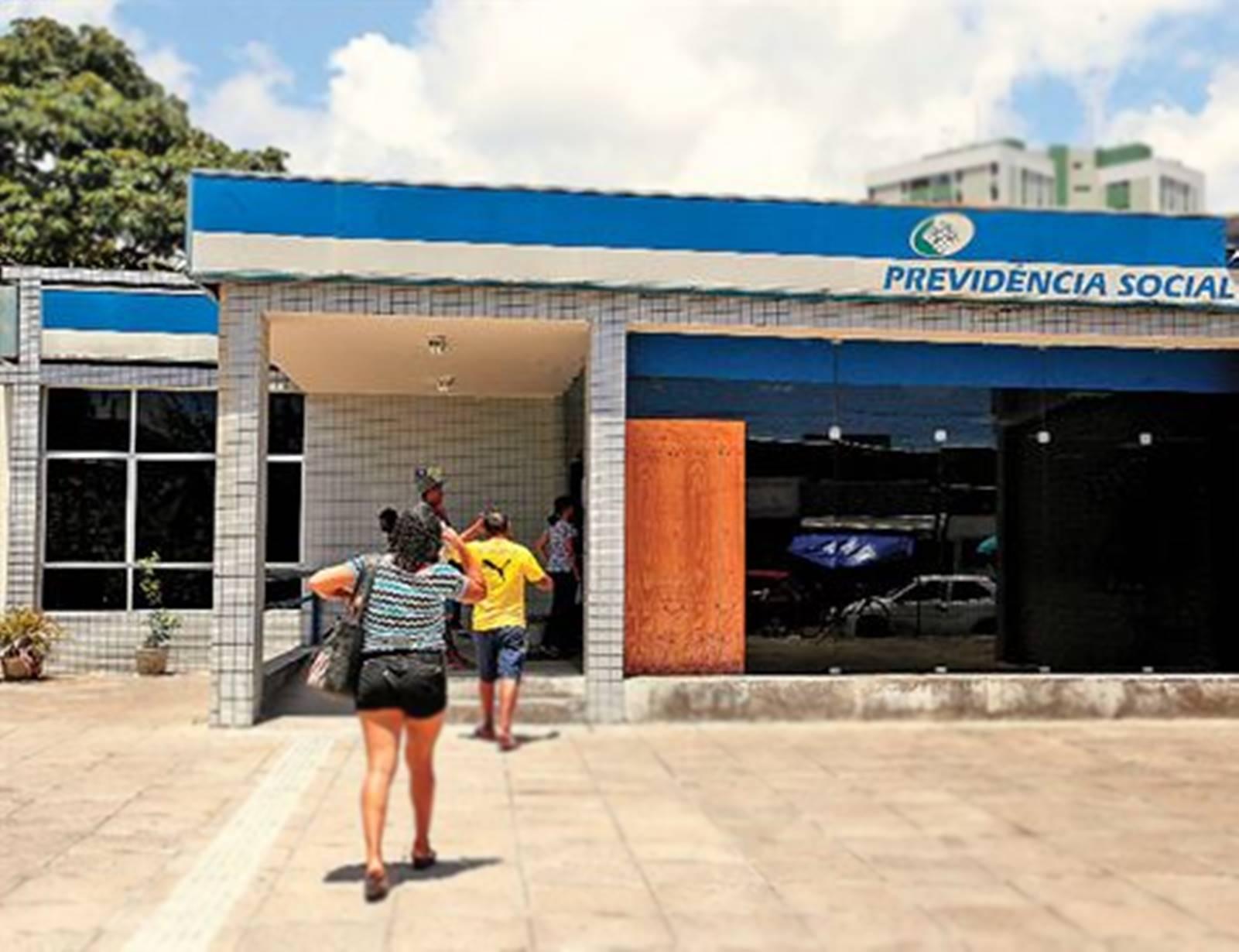 INSS: 529 mil aposentados terão salários bloqueados por falta de recadastramento