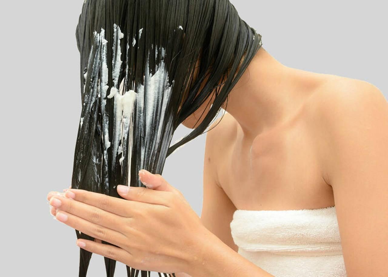 4 máscaras poderosas de hidratação capilar caseiras para aplicar no cabelo em casa