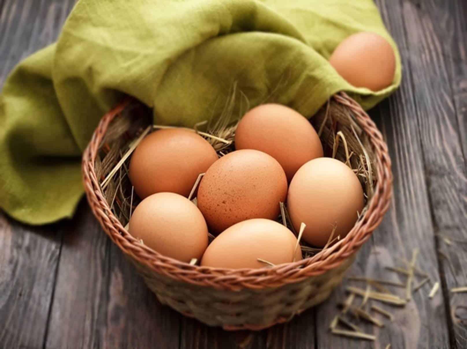 Descubra os milagres do ovo para os cabelos e a pele