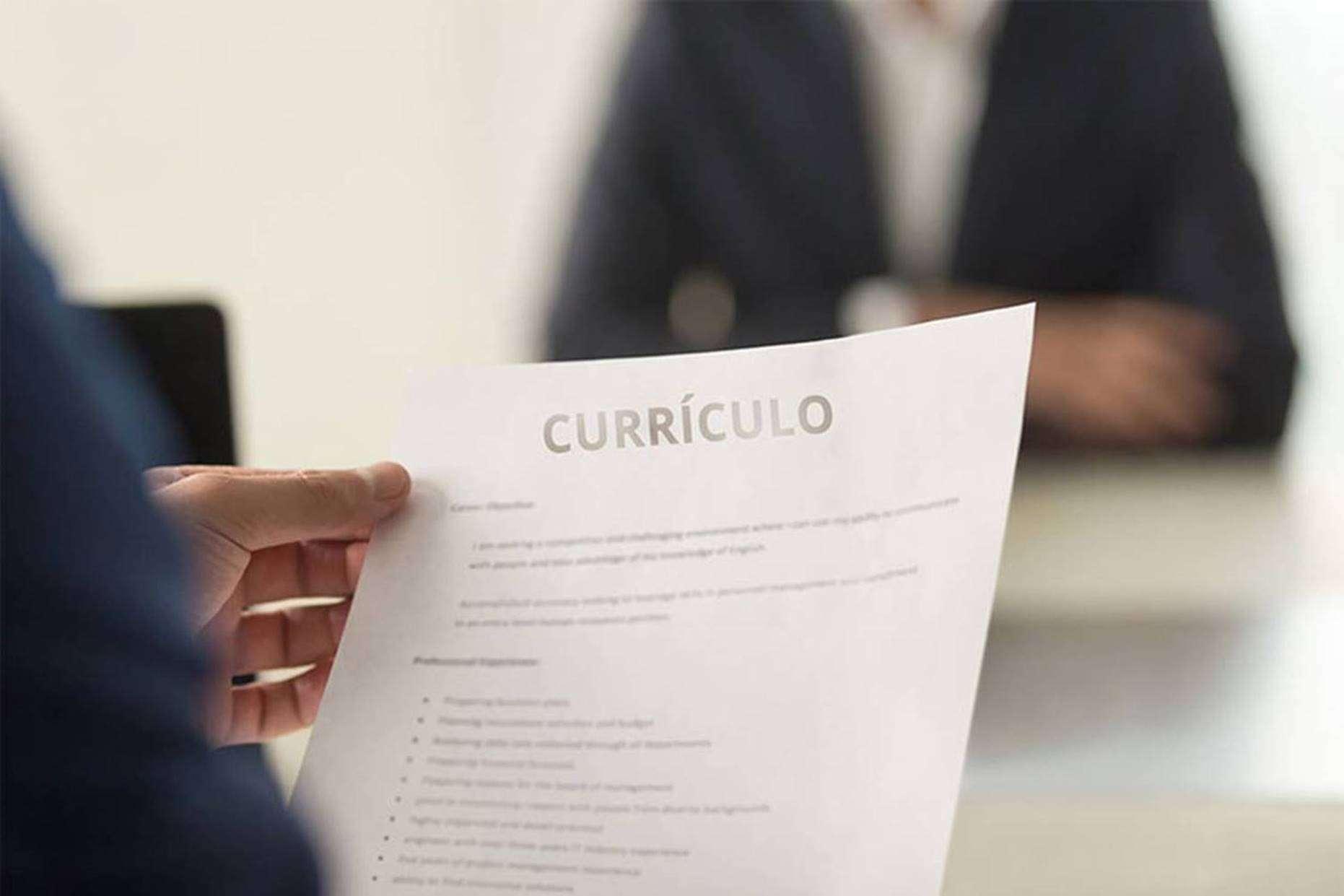 10 erros no currículo que os recrutadores não perdoam