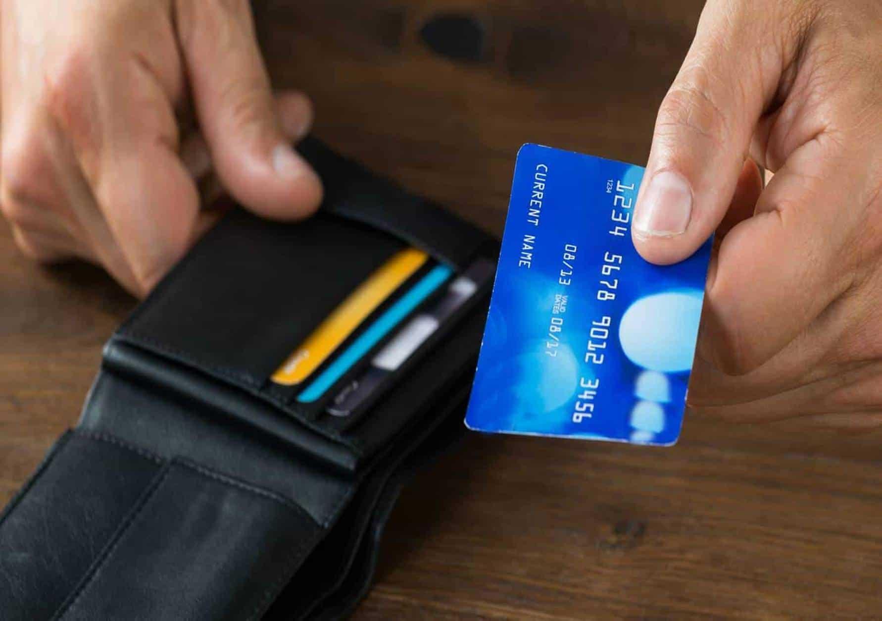 5 cartões de crédito para aposentados do INSS fazer mesmo com nome sujo