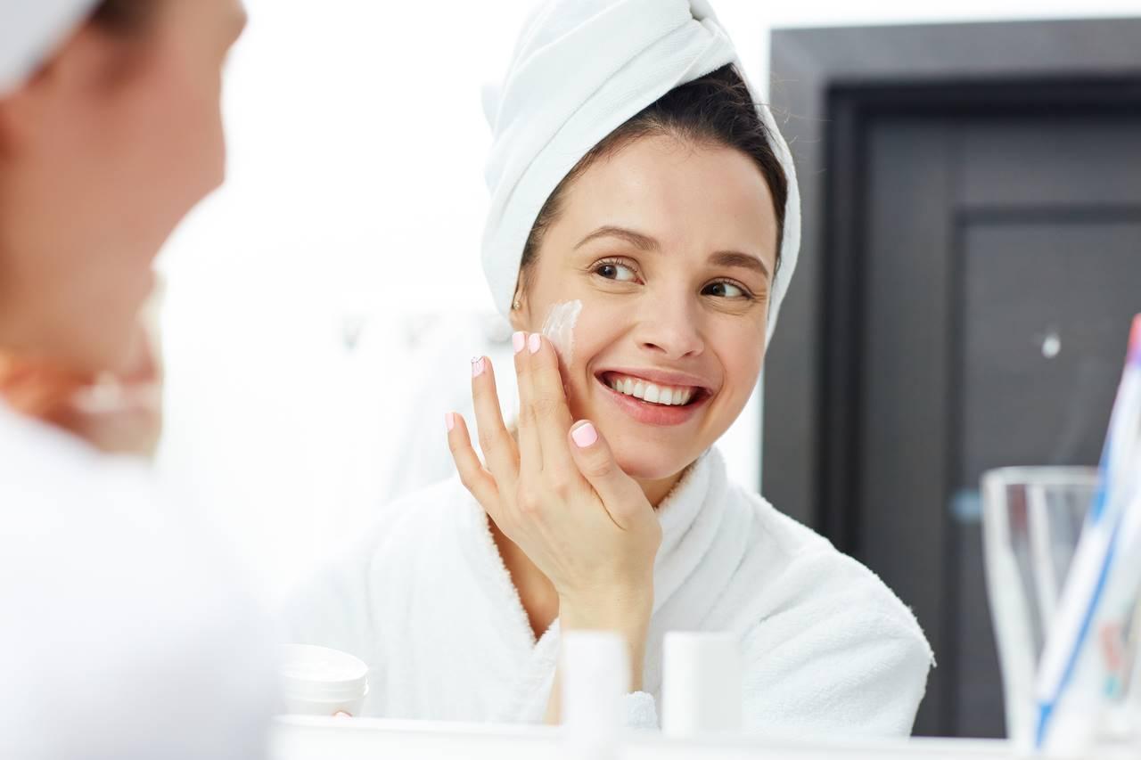 Pele limpa e saudável: como funciona o tônico facial e suas vantagens