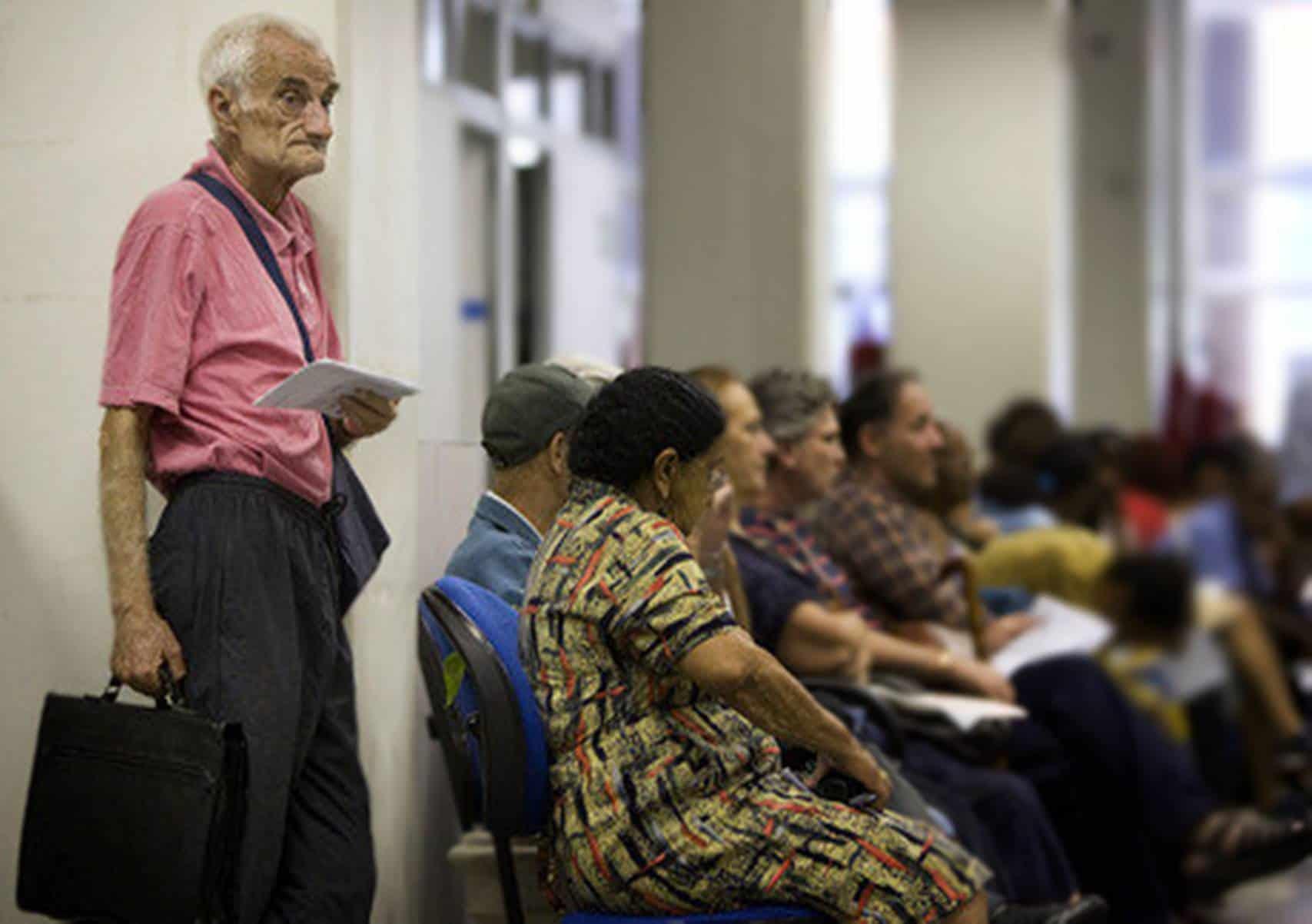 Recadastramento de aposentados e pensionistas é suspenso em outubro