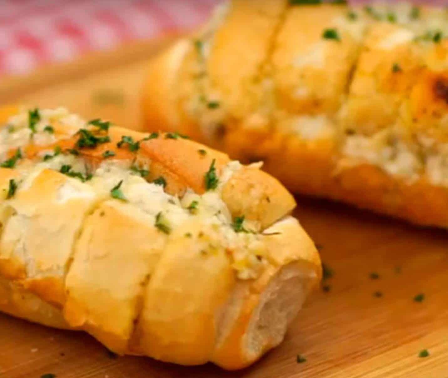 Rápido e fácil: Aprenda a fazer Pão de Alho poucos ingredientes