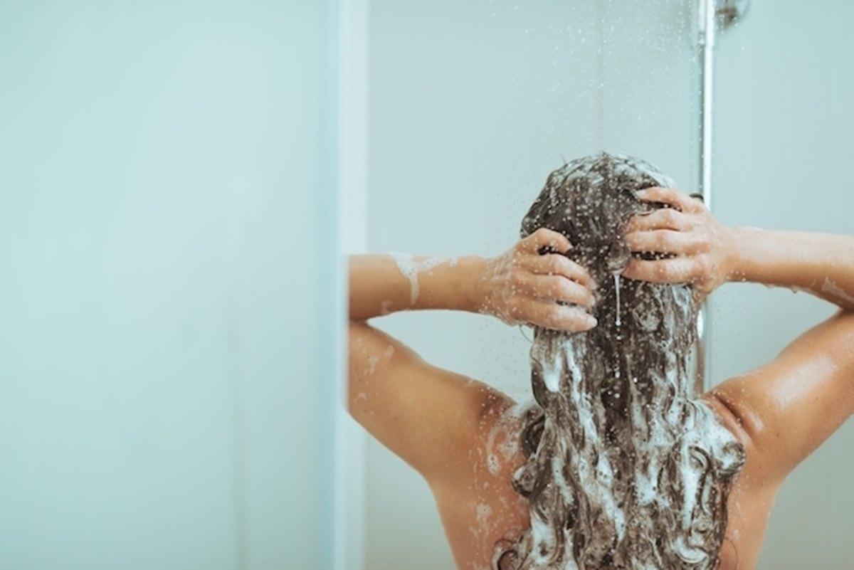 Shampoo natural para combater a queda de cabelo