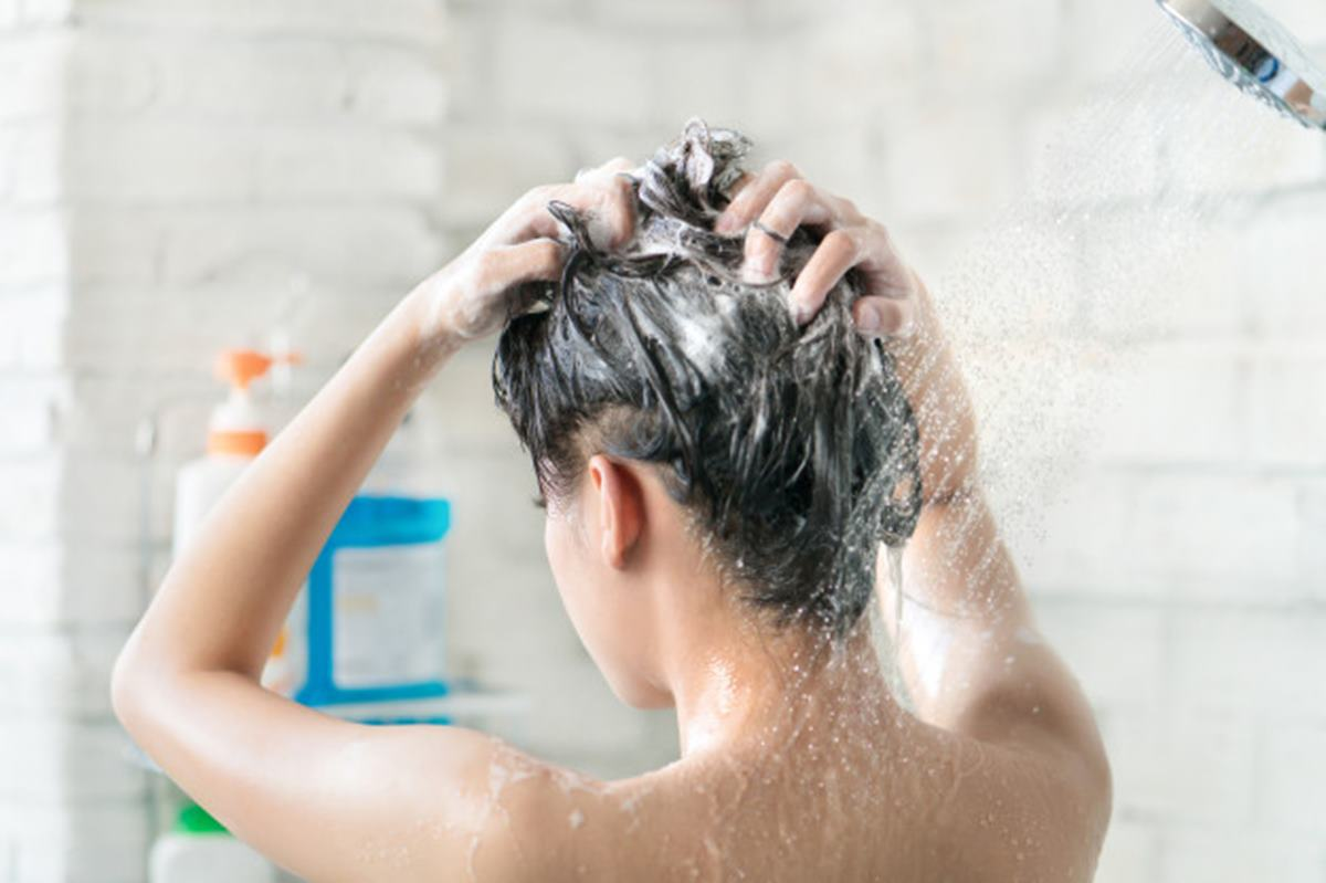 Shampoo bomba de gengibre para crescer cabelo e acabar com a caspa