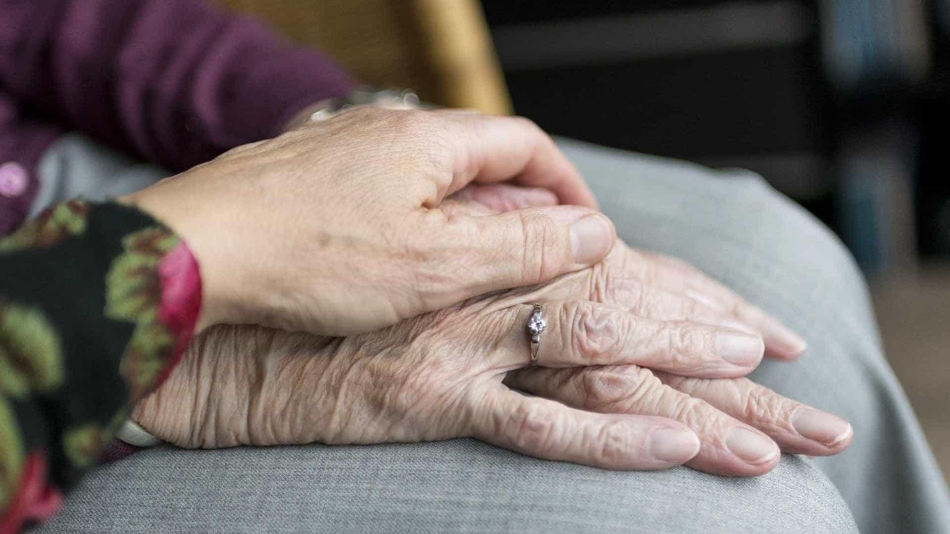 Novos golpes surpreendem aposentados e pensionistas do INSS