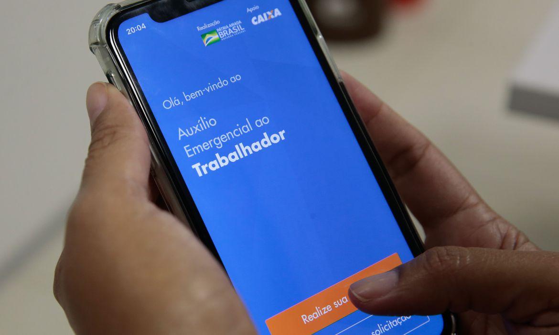 Auxílio Emergencial: Caixa faz mudanças no app para evitar filas virtuais