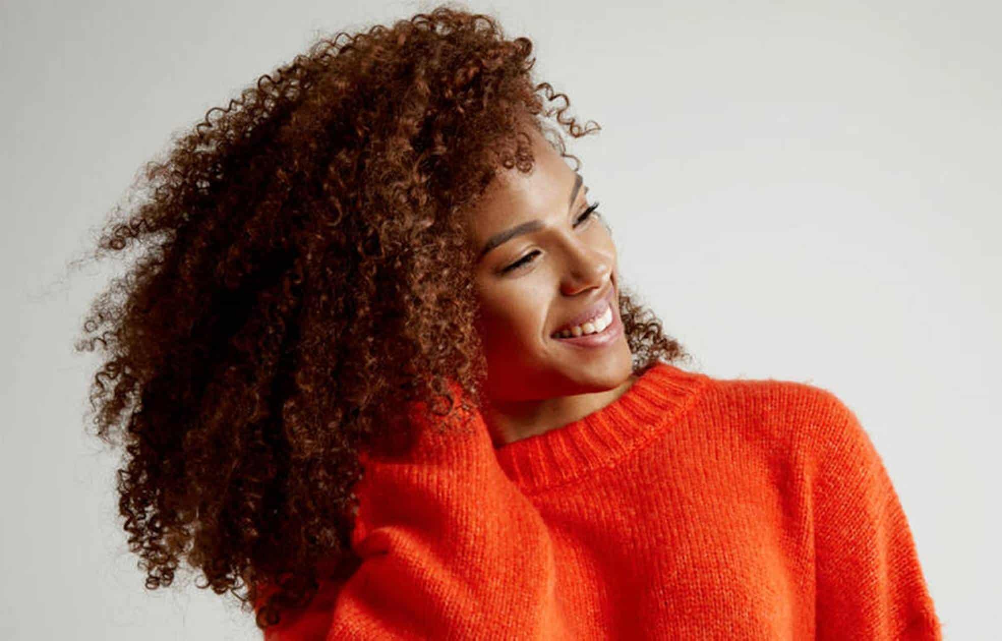 Confira estas 3 dicas de hidratação caseira para cabelos cacheados