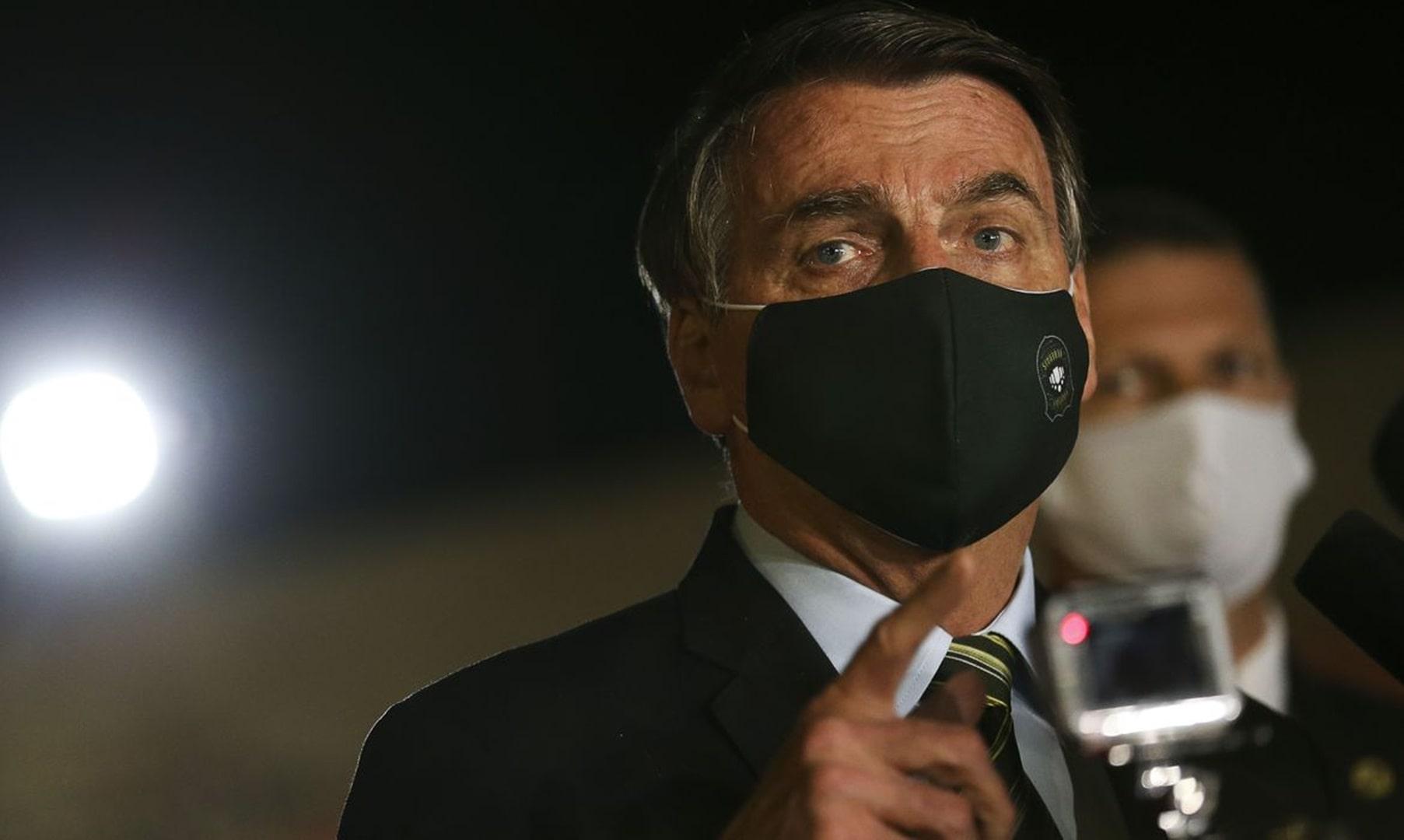 Bolsonaro desiste de Renda Brasil e Bolsa Família segue até 2022
