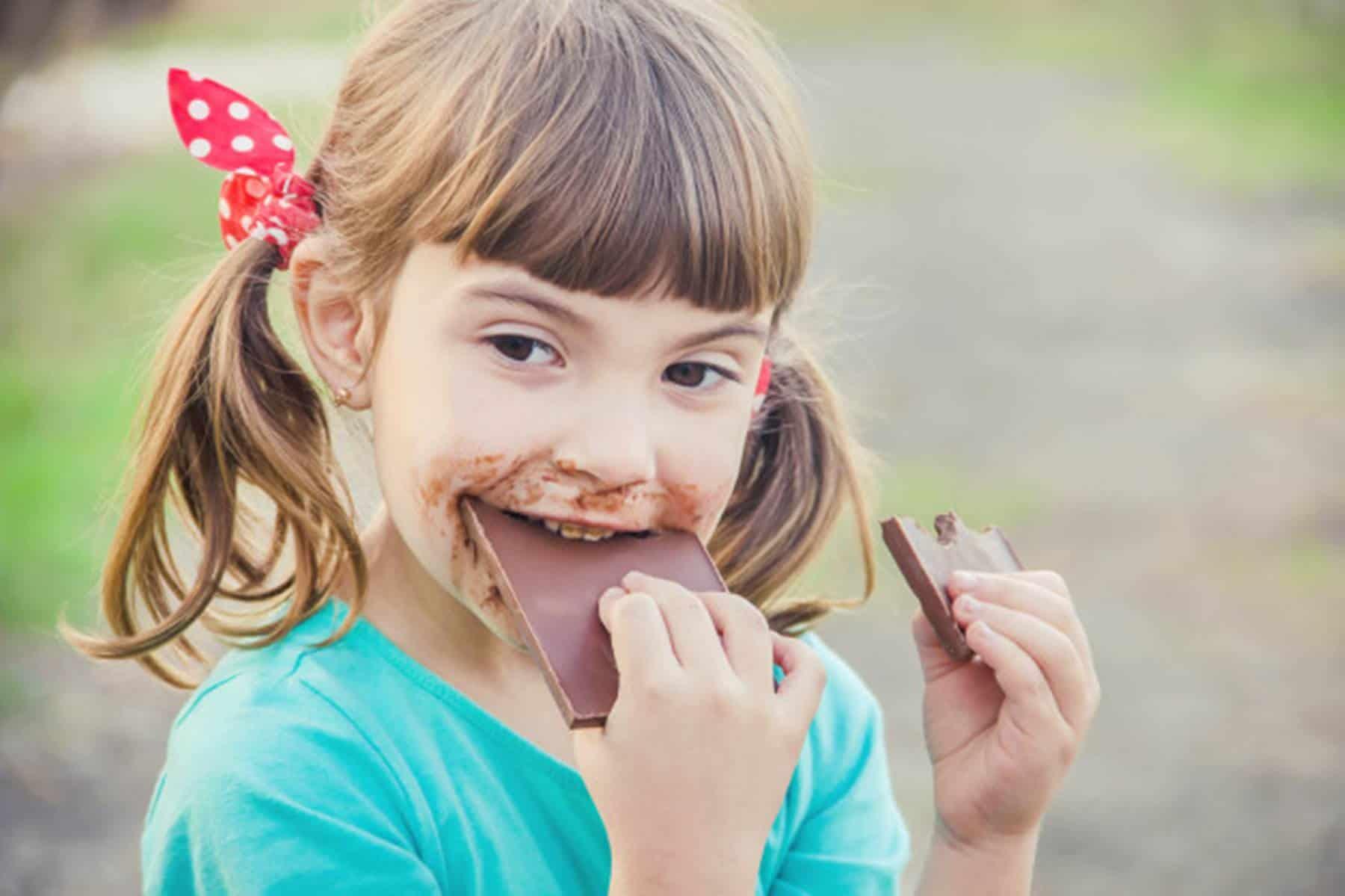 Conheça os malefícios do açúcar para as crianças