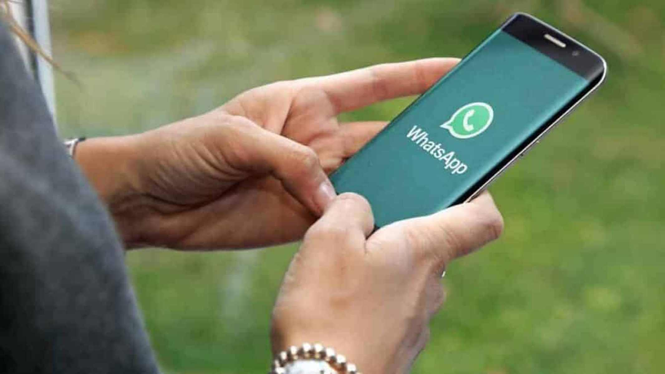 celular no WhatsAPP