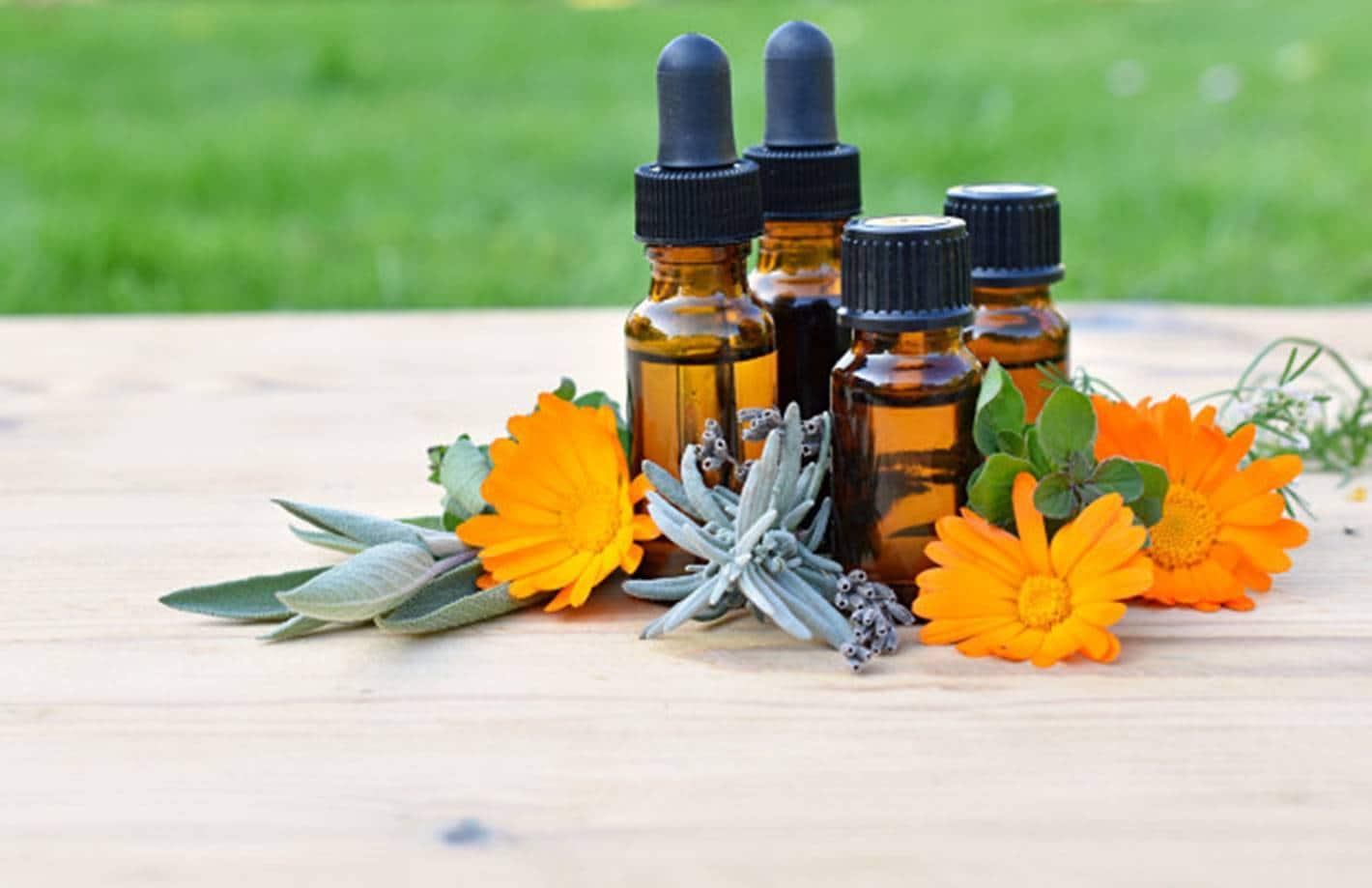 7 óleos essenciais que vão melhorar seu humor todos os dias da semana