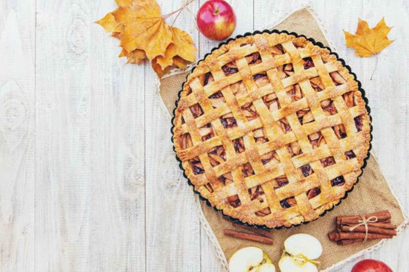 Aprenda a fazer uma deliciosa e tradicional torta de maçã