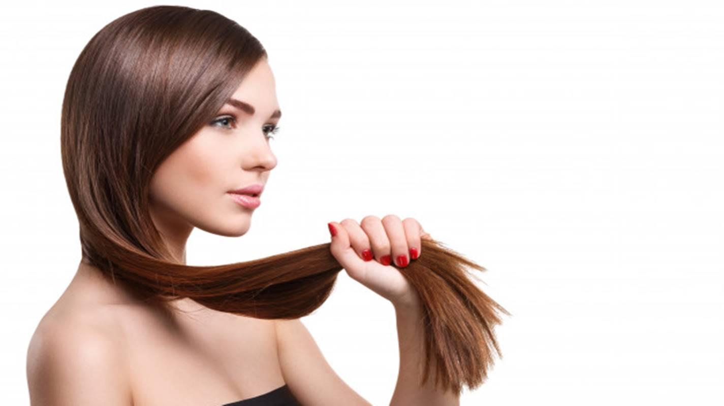 Mulher com cabelo forte