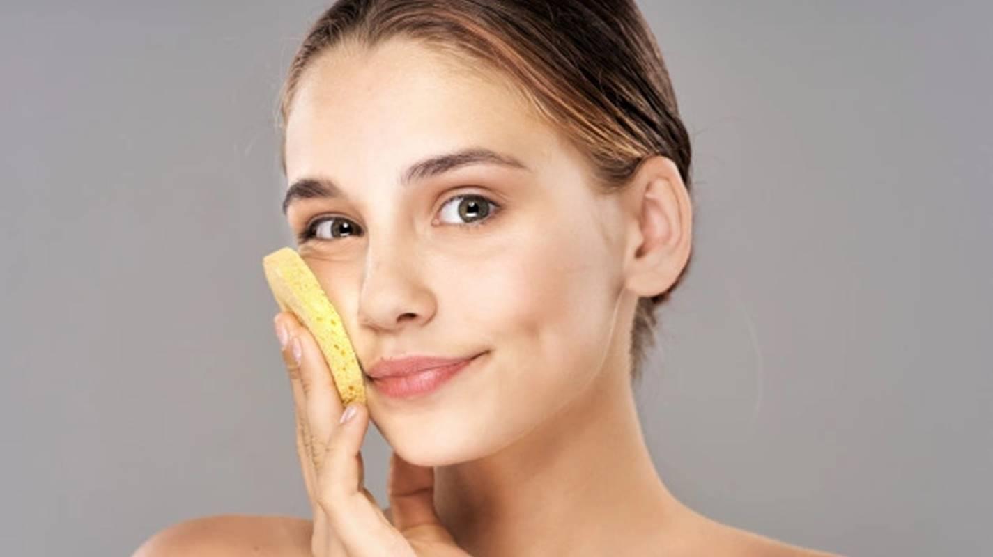 15 maus hábitos que danificam sua pele; confira