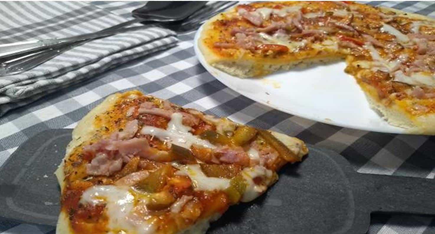 Receita fácil e saborosa de pizza de microondas para o final de semana