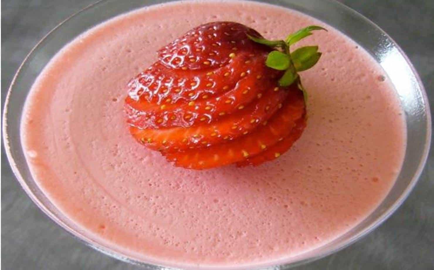 Sobremesa Cremosa de morango