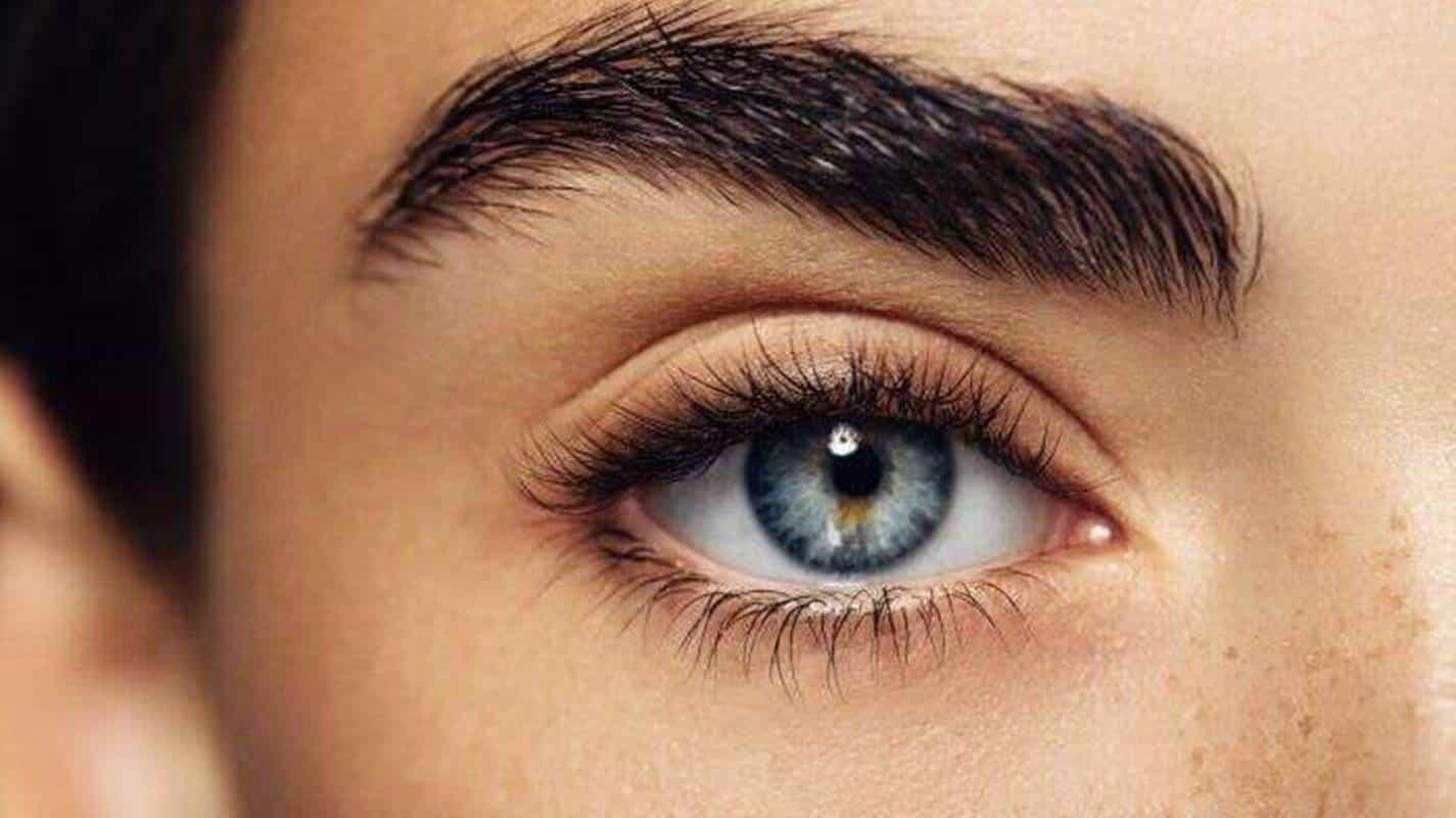 3 remédios caseiros para te ajudar a ter sobrancelhas grossas