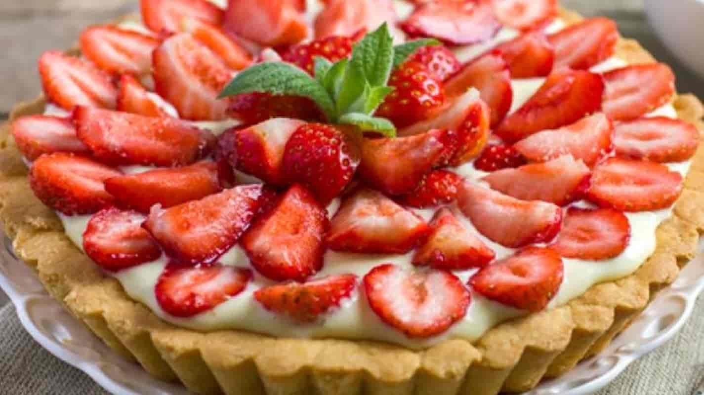 Torta de morango: a receita ideal para adoçar o paladar (em apenas 5 etapas)