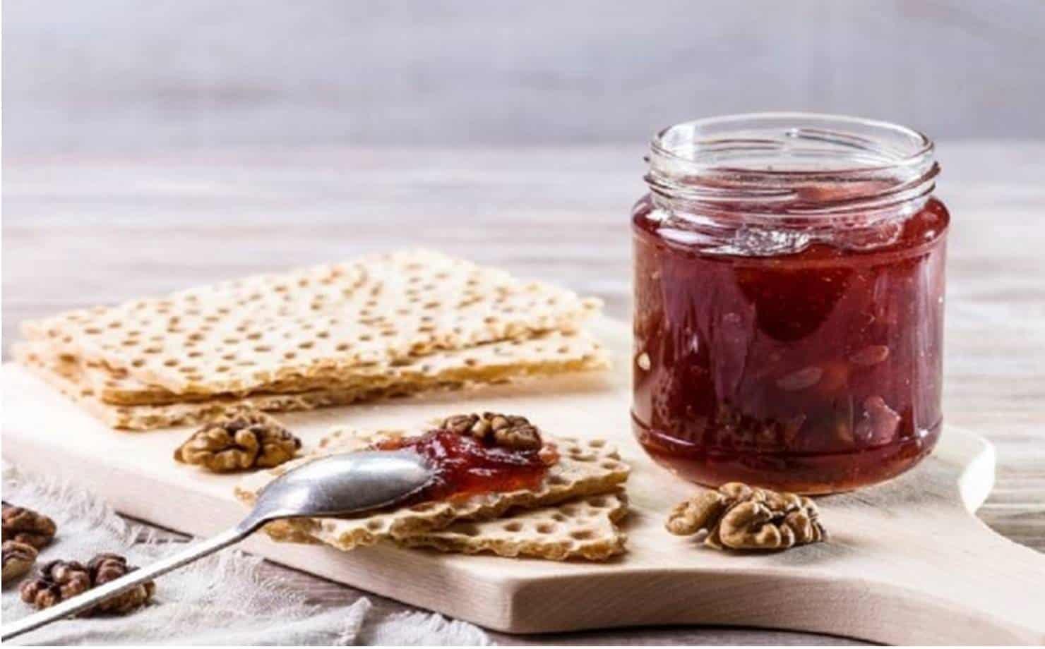 Aprenda a preparar um saboroso doce de morango com maçã e gengibre