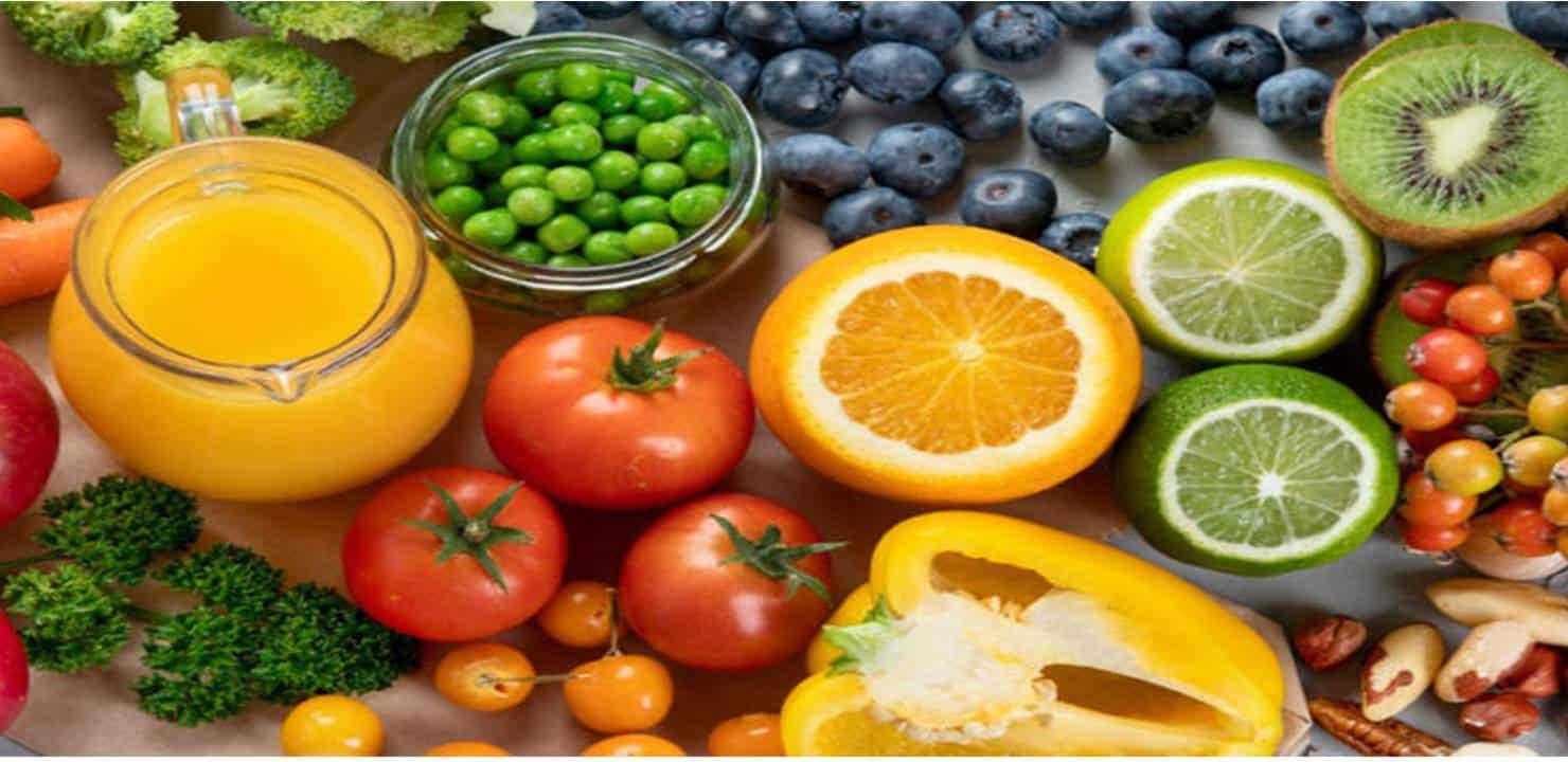 10 alimentos hidratantes como um copo de água