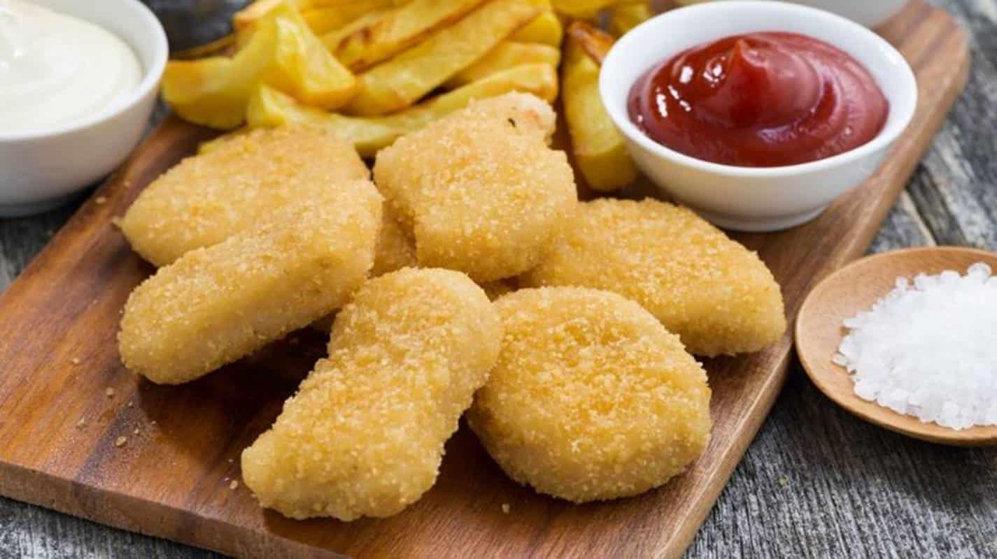 2 receitas saudáveis para preparar uns nuggets em casa