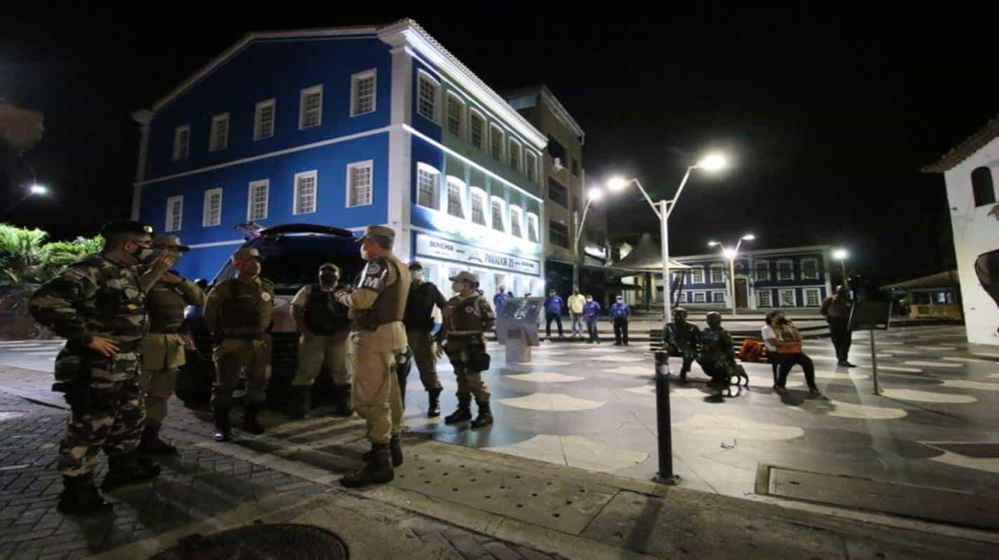 Governo prorroga toque de recolher e proibição de eventos até 10 de maio na Bahia