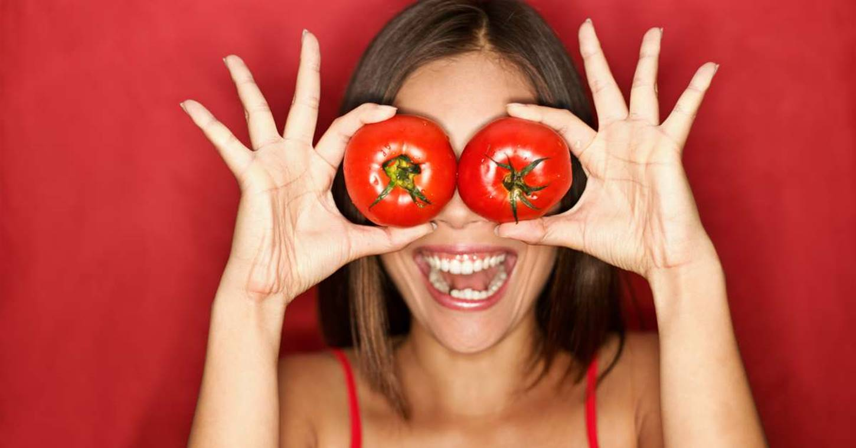 Máscara de tomate para fortalecer e hidratar os cabelos