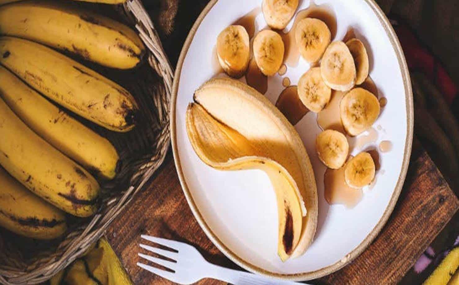 Bananas Expostas na Mesa