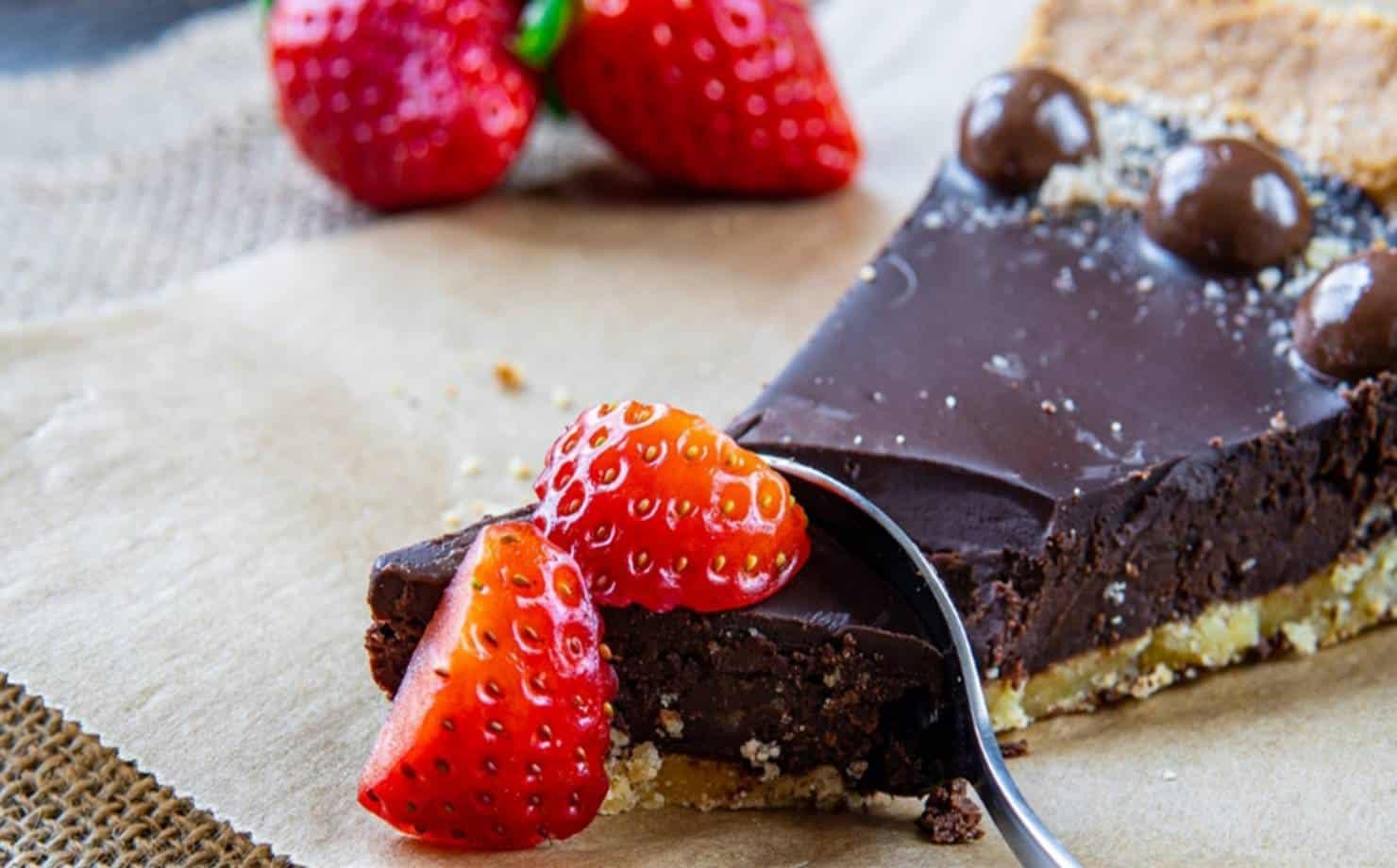 Uma delícia: saboreie este tentador bolo de chocolate fácil de fazer
