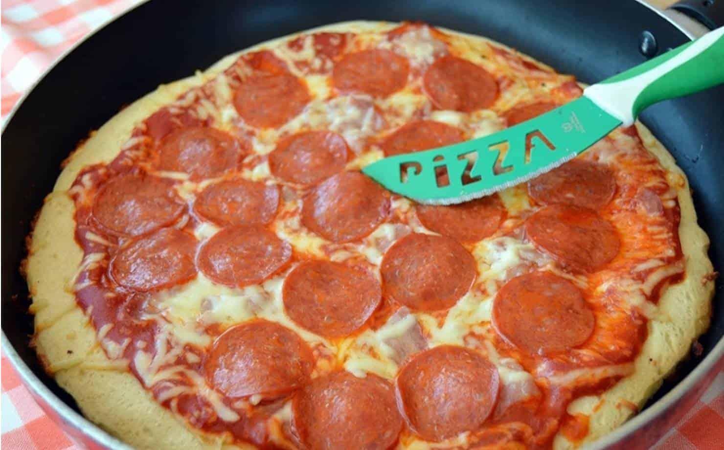 Pizza de Calabresa Feita na Frigideira