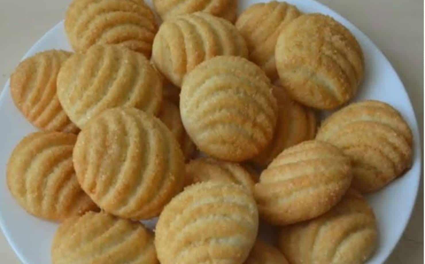 Receita de biscoitos crocantes com poucos ingredientes