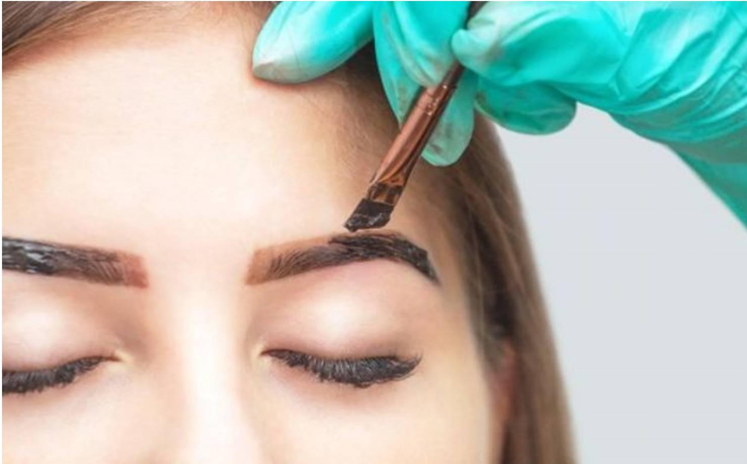 Veja como fazer tintura 100% natural e eficaz para pintar sobrancelhas