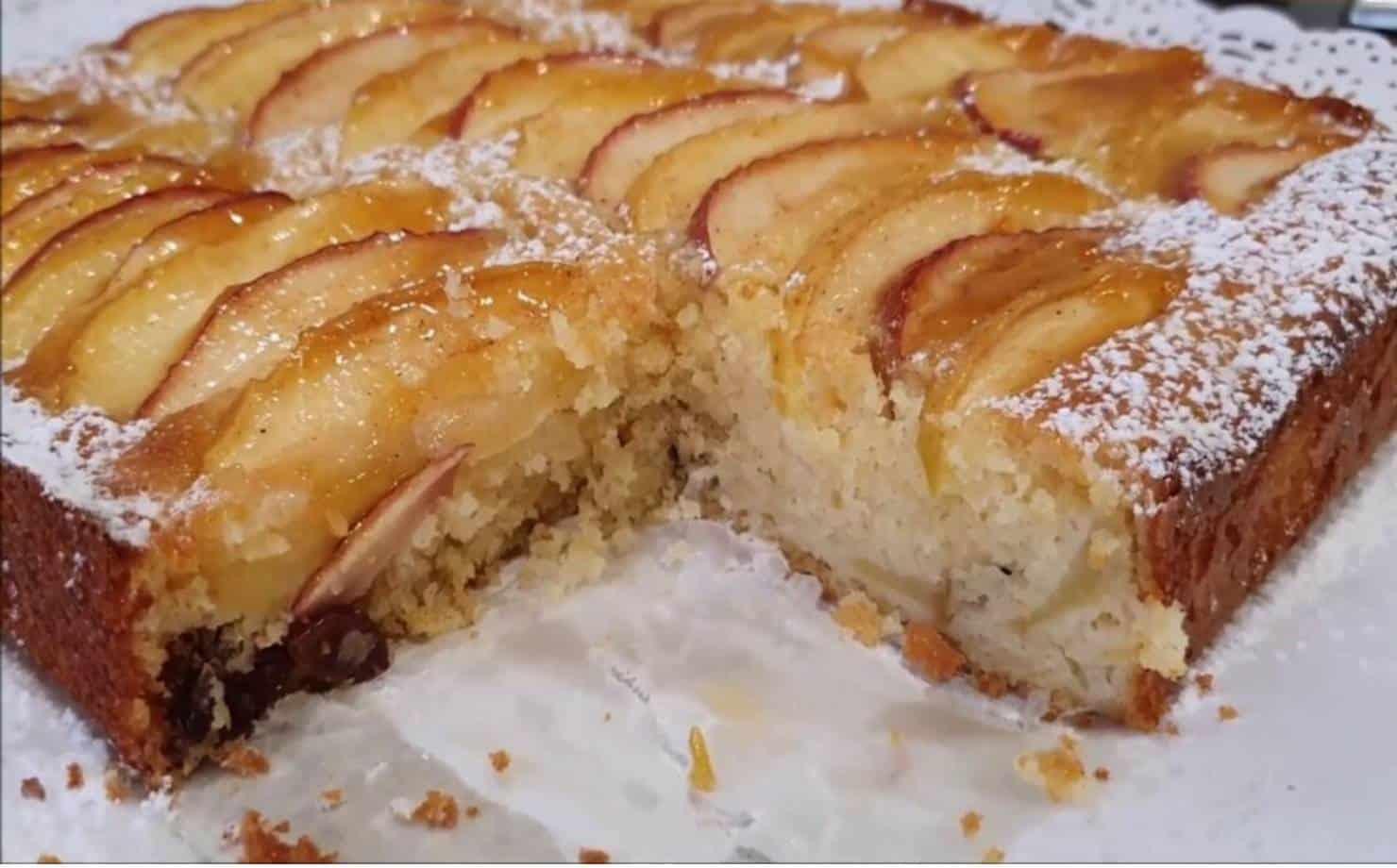 Aprenda a fazer um bolo fácil e delicioso de maçã com passas
