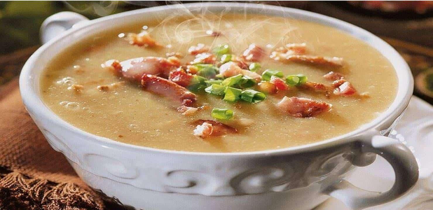 Receita rápida e saborosa de caldo de aipim com calabresa e bacon