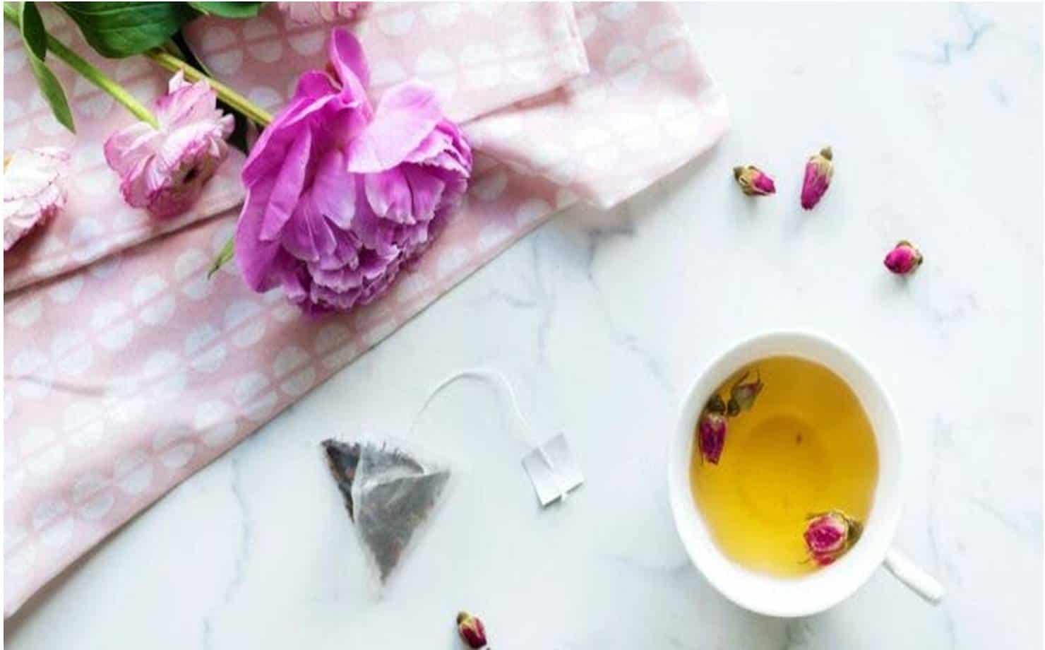 Por que o chá de rosas é bom para o seu corpo?