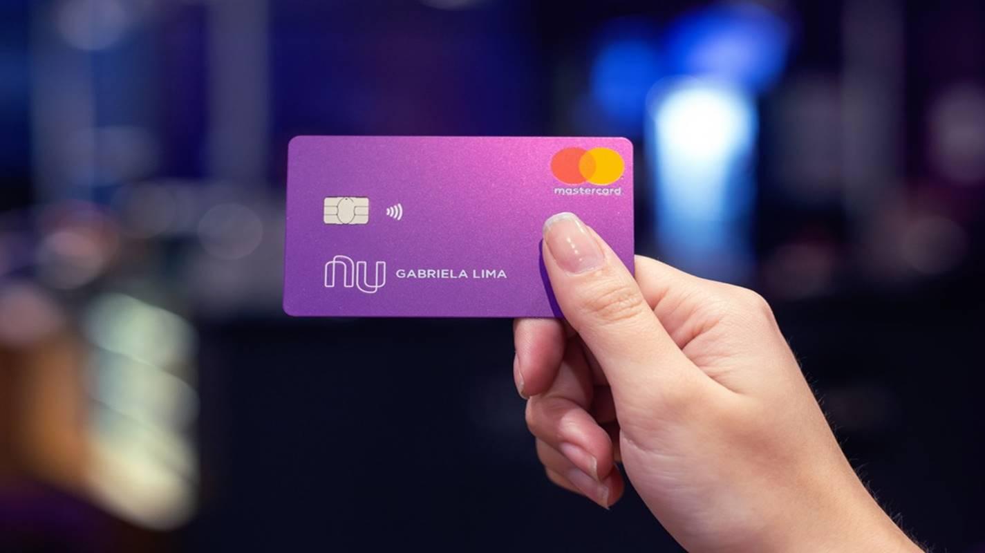 Nubank libera novo cartão em que o usuário acrescenta o limite que quiser; confira