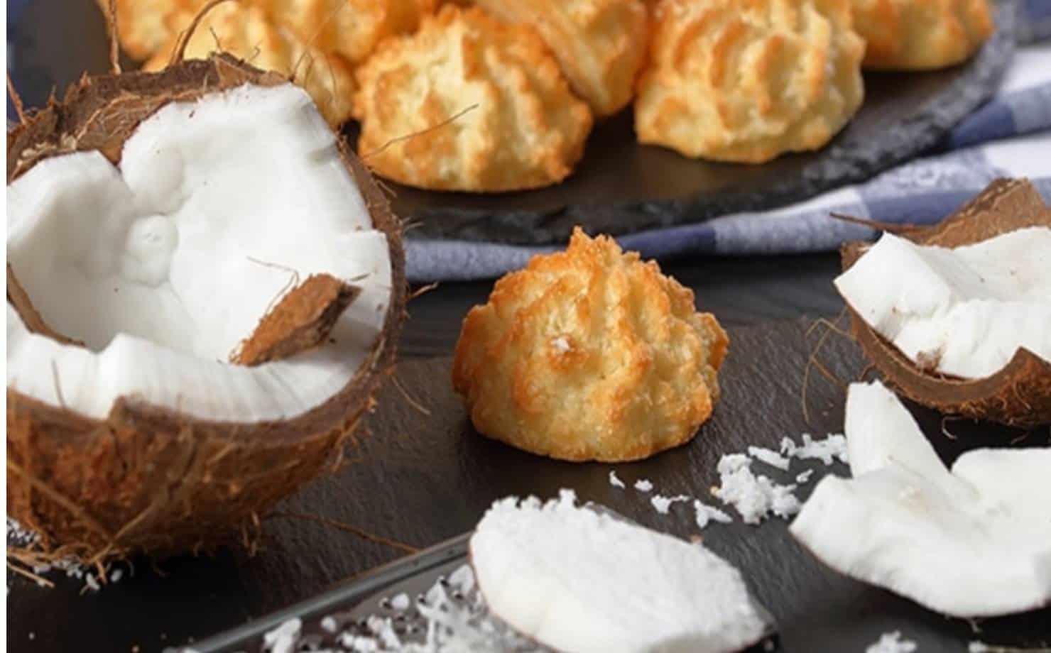 Faça biscoitos de coco super fáceis com 5 ingredientes