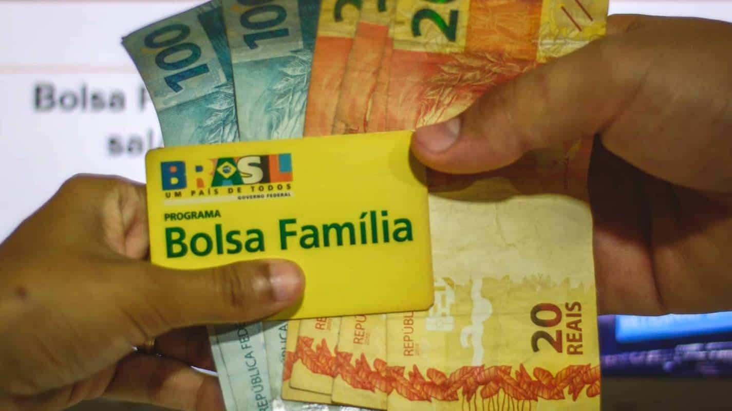 Beneficiários do Bolsa Família com NIS 7 recebem o auxílio nesta terça-feira