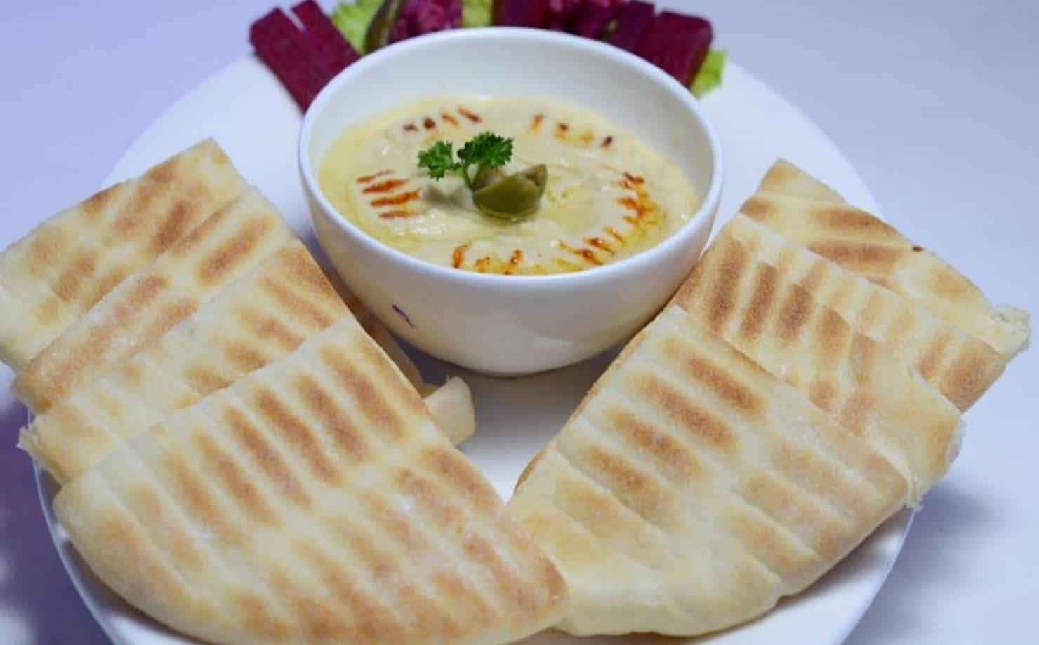 Sem glúten: prepare um delicioso pão árabe com farinha de arroz