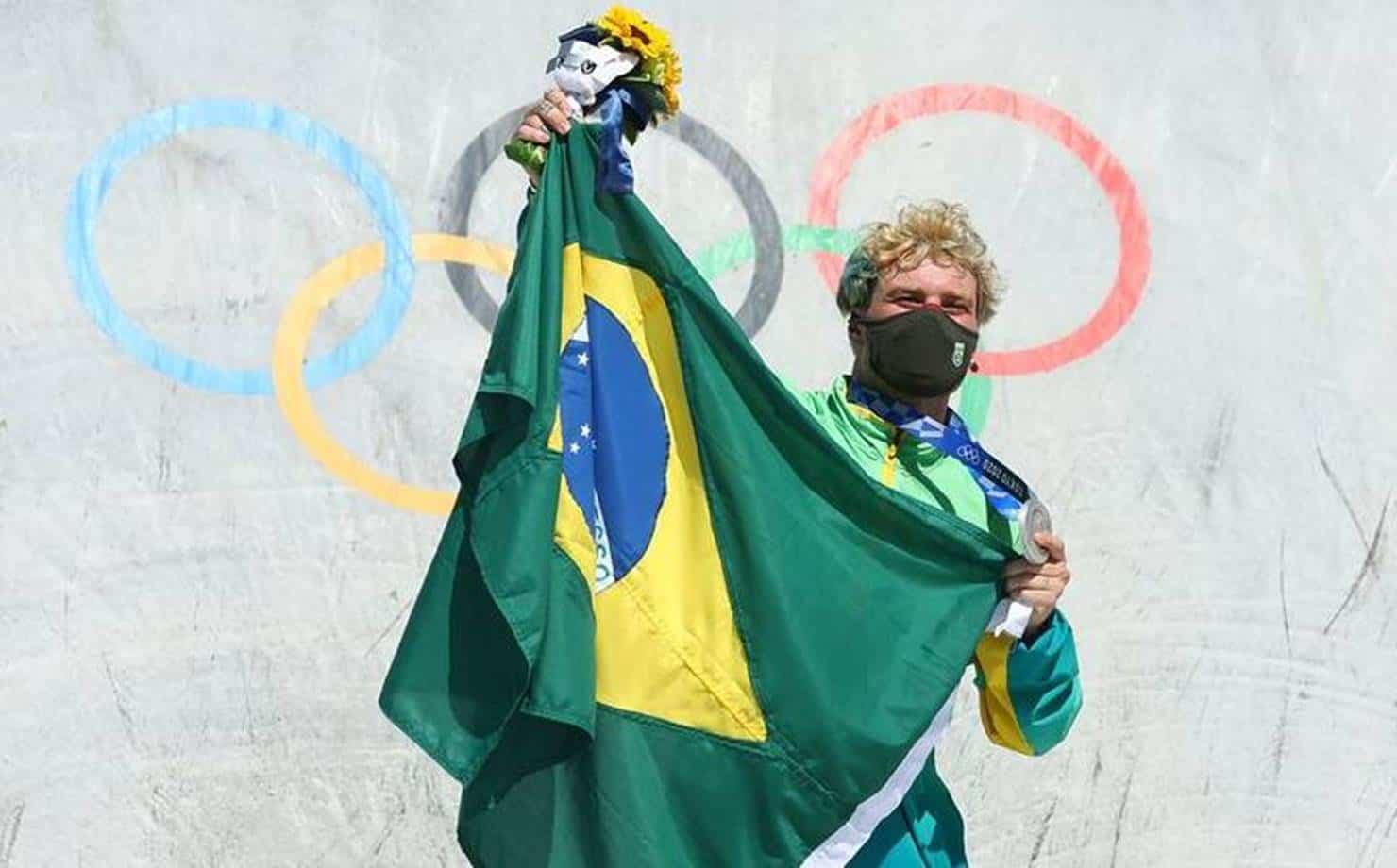 Olimpíadas: Pedro Barros conquista a medalha de prata no skate park