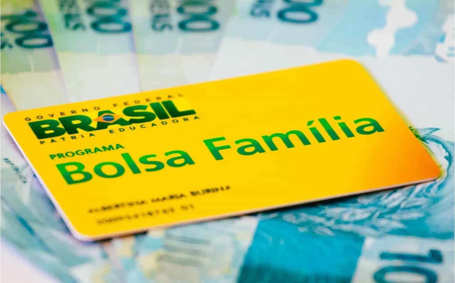 Cartão Bolsa Família e Dinheiro