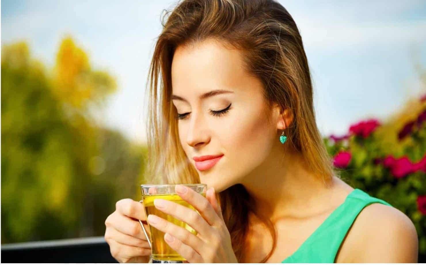 5 benefícios impressionantes do chá verde para a pele