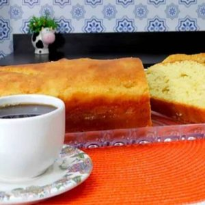 Pão na Mesa com Café